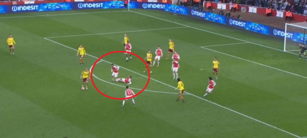 Faza de Fotbal la Maxx la golul egalizator al lui Burnley: Gibbs l-a faultat pe coechipierul Coquelin, iar oaspetii au marcat | VIDEO
