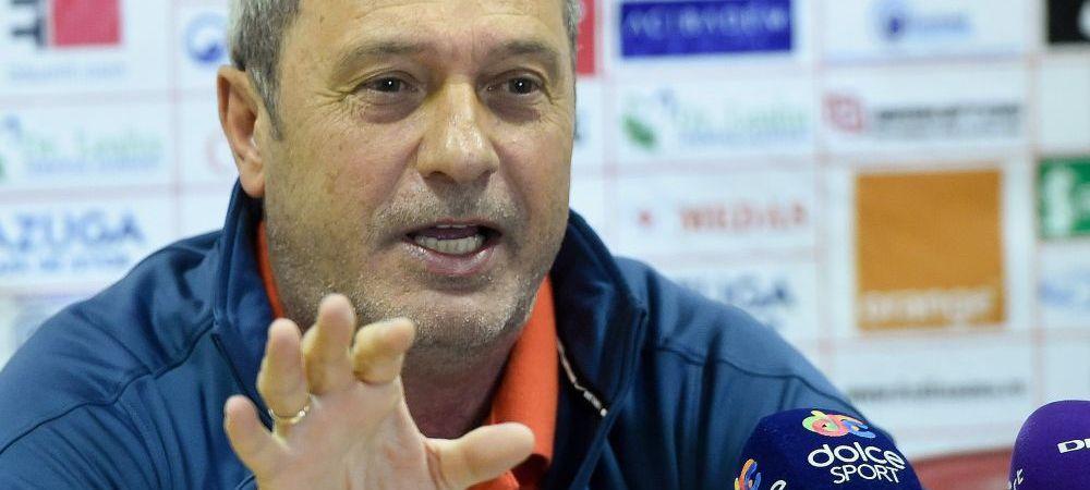 "Dinamo urca pe 2 si viseaza la titlu! Rednic a anuntat un nou transfer: ""E atacant roman, tinerel, a jucat prin strainatate"""