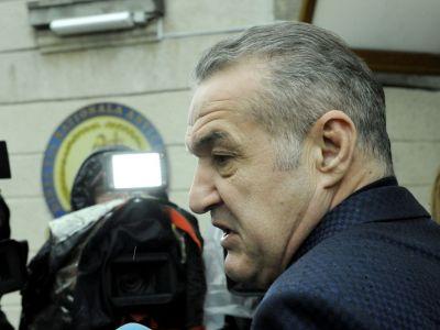 """Planul nebun al lui Gigi Becali in conflictul cu Armata: vrea sa scoata lumea in strada si se bazeaza pe o asistenta de """"cel putin"""" un milion de oameni"""