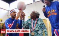 Bunica de 107 ani din State care s-a apucat de baschet si jongleaza alaturi de baietii de la Harlem Globetrotters :) VIDEO
