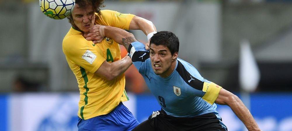 """S-a intors """"Canibalul"""". Luis Suarez a jucat in nationala Uruguayului pentru prima data de la incidentul cu Giorgio Chiellini si a fost eroul tarii sale in meciul cu Brazilia"""