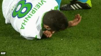 Pretul victoriei: Vieirinha a ramas fara un dinte in meciul cu Real, insa Kroos nu a fost avertizat. Portughezul a jucat toate cele 90 de minute