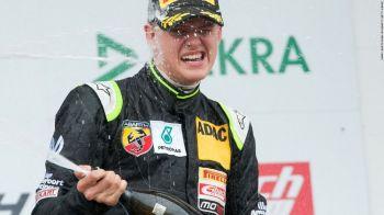 4, 3, 2 ...1? Pe urmele tatalui! Fiul lui Michael Schumacher a castigat prima cursa din Formula 4!