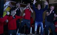 Tika taka, tika ta, campioana e Astra! Asta e noul HIT din Romania! Sumudica a dansat pe mese cu jucatorii dupa castigarea titlului! VIDEO