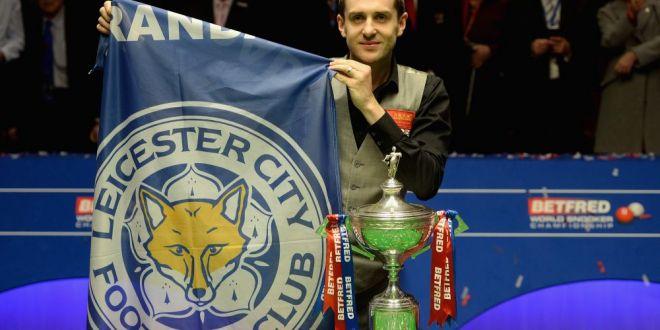 Un miracol nu vine niciodata singur! Nascut in Leicester, Selby a castigat titlul mondial la snooker! A dedicat trofeul echipei de fotbal