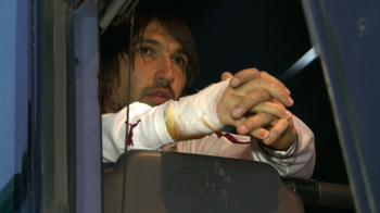 Primele imagini cu Alexa dupa ce a iesit din spital! A spart un geam in vestiar dupa ce si-a pierdut mintile la ultimul meci