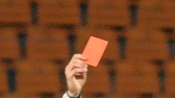 """""""Nimeni nu stie exact ce trebuie sa facem!"""" Noua regula din Romania care DUBLEAZA CARTONASUL ROSU. Cum ar putea ajunge cluburile sa joace cu un om in minus"""