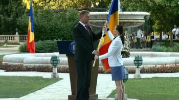 FOTO | Delegatia Romaniei pentru JO a primit drapelul de la presedintele Iohannis. Ponor va purta steagul, Chitu a depus juramantul sportivilor