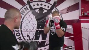 Cat de mare e fostul rugbist din Romania care vrea sa fie noul Morosanu in ring! Se lupta in gala de sambata, la Sport.ro, 20:00