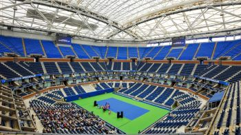 Begu, eliminare soc cu Tsurenko in primul tur, 0-6 4-6. Ana Bogdan a invins-o pe Sorana si urmatoarea adversara este Monica Niculescu!Halep joaca azi!