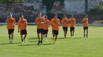Cum se transforma cea mai SLABA echipa din Romania: Soimii Pancota, formatia cu golaveraj 1-56 dupa 5 meciuri, are antrenori italieni si fotbalisti din Senegal si Honduras