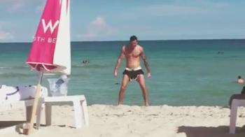 """Mi-ai luat bucuria la goala, ti-am luat bucuria la gol! :) Ronaldo, trollat pe net de fostul iubit al noii cuceriri: """"Siiii"""", pe plaja din Miami """"Bitch"""""""