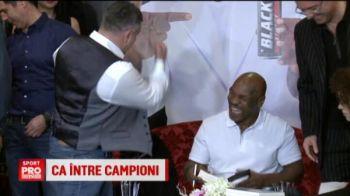 Cadou senzational pentru Tyson la Bucuresti: a primit un porumbel CAMPION! :)
