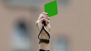 VIDEO Moment istoric in fotbal: s-a acordat primul cartonas VERDE! Ce a facut jucatorul care l-a primit