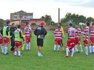 I-au batut de le-au sarit fulgii!Soimii Pancota a aliniat doar 10 oameni la start, Foresta le-a dat 14 goluri! Foresta - Steaua, joi la ProTV in Cupa Romaniei