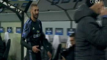Criticat si cerut AFARA din echipa de fani, Benzema s-a enervat pe Zidane. Cum a reactionat francezul in momentul inlocuirii din meciul cu Legia   FOTO