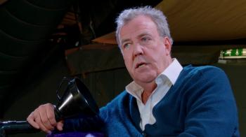 """Jeremy Clarkson i-a ironizat pe imigrantii romani din Marea Britanie in noua emisiune: """"Le dau de munca, deminitate"""" Ce vrea sa-i puna sa faca"""