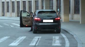 Imagini de ultima ora de la plecarea stelistilor in Spania, pentru meciul cu Villarreal! Ce jucator a sosit cu aceasta masina de lux. FOTO
