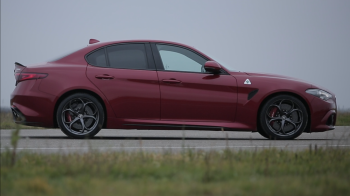 Are motor de Ferrari si costa 100.000 de euro! Test drive in Romania cu noua limuzina Alfa Romeo Giulia! VIDEO