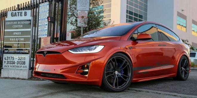 Trei tuneri se incumeta sa modifice SUV-ul electric Model X, vezi cum arata versiunile lor