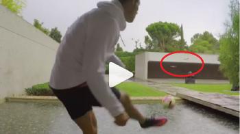 Noua distractie din spatele blocului! Cum vaneaza Ronaldo drone cu mingea de fotbal VIDEO