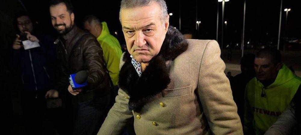 """Doi titulari interzisi de Becali la Steaua. """"Sunt pe banii mei, i-am zis si lui Reghe, gata, s-a terminat!"""""""