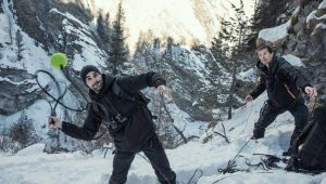FOTO Roger Federer, invitat la emisiunea lui Bear Grylls. Ce cascadorie a facut elvetianul in varful muntelui