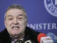 """Becali: """"Sumudica nu o sa intreneze in viata lui Steaua!"""" Replica antrenorului: """"Si daca mananc ceapa cu paine nu merg la FC Star Biscuiti"""""""