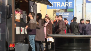 Muncesc in strada, dar castiga 20.000 euro pe luna!Ideea simpla a unor tineri din Bucuresti