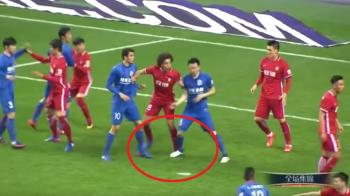 Ce patesti in China atunci cand calci pe picior un jucator de 50 de milioane. Pedeapsa primita de jucatorul care l-a faultat pe Witsel