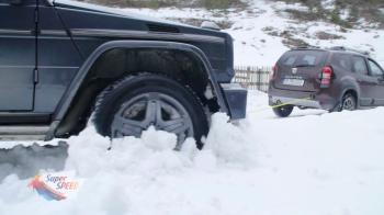 Vezi cum scoate o Dacia Duster un Mercedes-Benz Clasa G din ditamai zapada