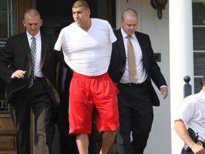 Anunt TRAGIC in NFL! Aaron Hernandez, fostul mare star din fotbalul american s-a SINUCIS in inchisoare