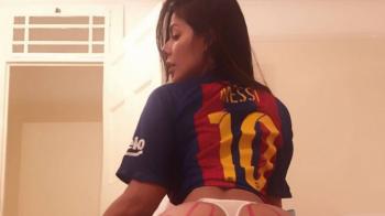 """Cea mai """"neBUNA"""" fana a lui Messi a sarbatorit cele 500 de goluri marcate de argentinian :) GALERIE FOTO"""