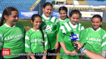 Cea mai tare aparitie la Cupa Hagi Danone: o echipa mixta, cu mai multe fete, a intrat in competitie. VIDEO