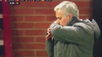 Obsesiile lui Mourinho: aceeasi geaca la toate meciurile! De ce isi pupa incheietura mainii in momentele dramatice VIDEO