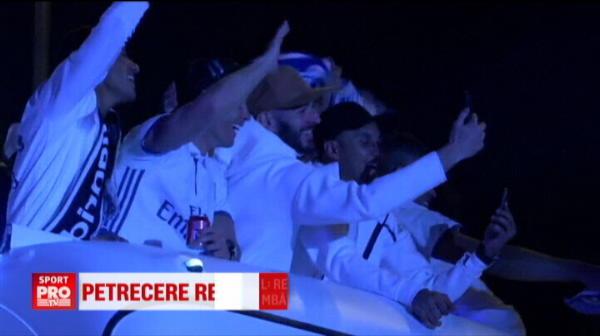 """""""Campeones! Campeones!"""" Zidane, atacat cu sampanie de jucatori la conferinta! Zeci de mii de oameni pe strazi! VIDEO"""