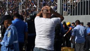 """Tragedie pe stadion: 4 suporteri au murit, 15 raniti, dupa o """"avalansa"""" de oameni in tribune!"""