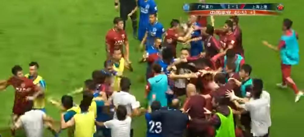 Asa arata fotbalul miliardarilor din China! Oscar a provocat o bataie MONSTRU pe teren. VIDEO