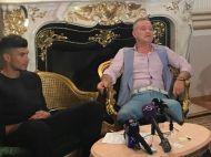 "Becali i-a pus clauza 100 de milioane de euro lui Coman. ""Trebuie sa lasi tigara, sa te sacrifici... bine, mai putin femeile"" :))"