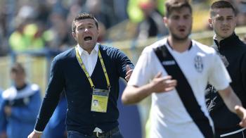 """UPDATE Scandalul continua la Juventus: """"Patronul ne-a injurat la meciul cu Steaua!"""" Antrenorul, oprit cu paznicii la antrenament!"""