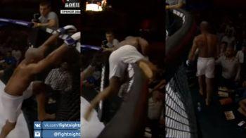 Ce a patit un brazilian din UFC in Rusia! A sarit din cusca si a plecat la vestiare in timpul meciului, mafiotii de la gala l-au pus sa ii ridice mana adversarului