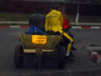 Imagini EPOCALE in liga a 3-a din Romania! Jucatorii unei echipe au plecat cu caruta de la stadion :)) FOTO