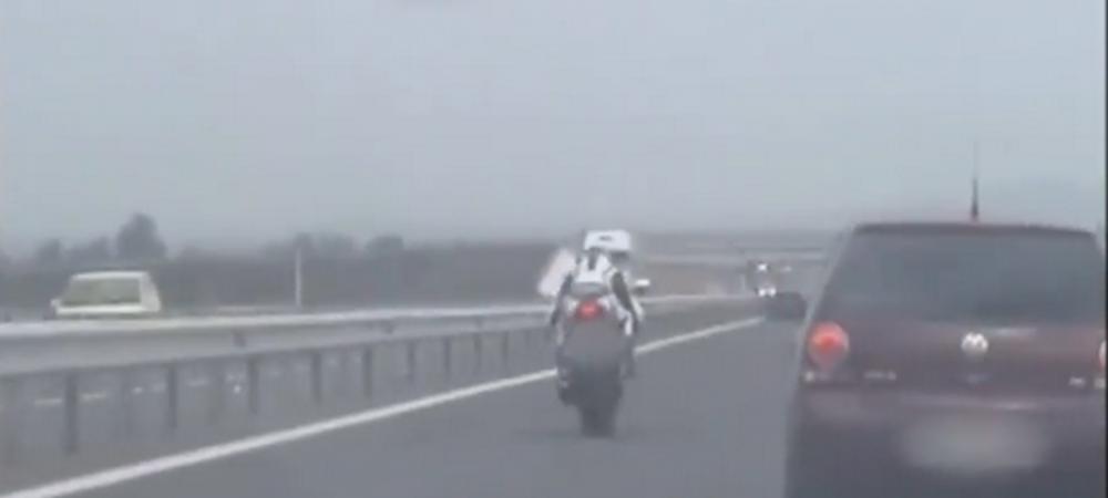 Politistii i-au suspendat imediat permisul. Viteza AMETITOARE cu care a fost surprins un motociclist pe A1. VIDEO