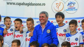 Lectii de la Hagi, Zidane si Berbatov | Ambasadorii celui mai important turneu pentru copii din lume ii invata pe micii fotbalisti secretele jocului