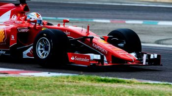 Vettel pleaca din pole position in Singapore, Hamilton abia pe 5! Grila de start