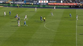 Faza SCANDALOASA pe terenul de fotbal! Adversarii s-au oprit pentru un jucator accidentat. Continuarea e incredibila