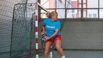 FABULOS! A jucat pana la 45 de ani si a facut SENZATIE pe teren. Povestea acestei jucatoare din Romania