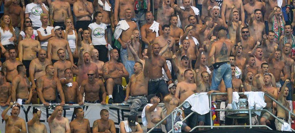 Umilinta incredibila pentru o echipa de Liga. Fanii lui Legia i-au dat jos din autocar pe jucatori dupa meci. Ce a urmat e desprins dintr-un film de groaza