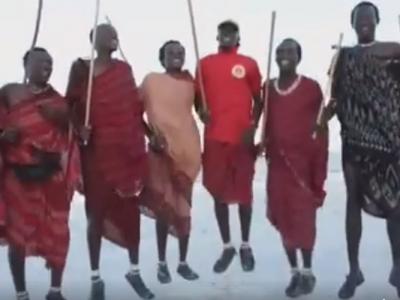 Cel mai tare video pe care il poti vedea astazi pe internet! Ei sunt cei mai mari fani ai unei ECHIPE ROMANESTI :) Cu cine tin
