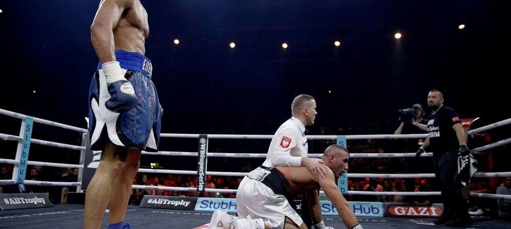 ROBOKOP! Faza geniala prin care a dat knockout, apoi a ramas ca un robot in picioare :)) VIDEO